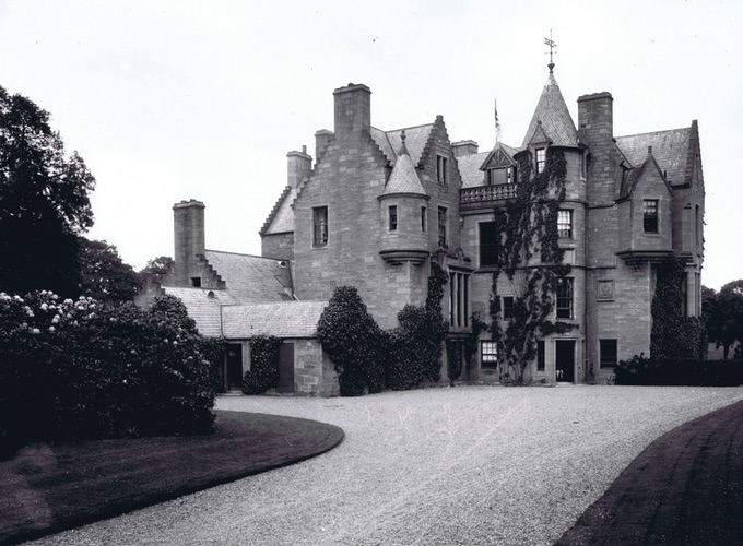 Historic Black and White photo of Balhousie Castle. Home of The Black Watch Museum